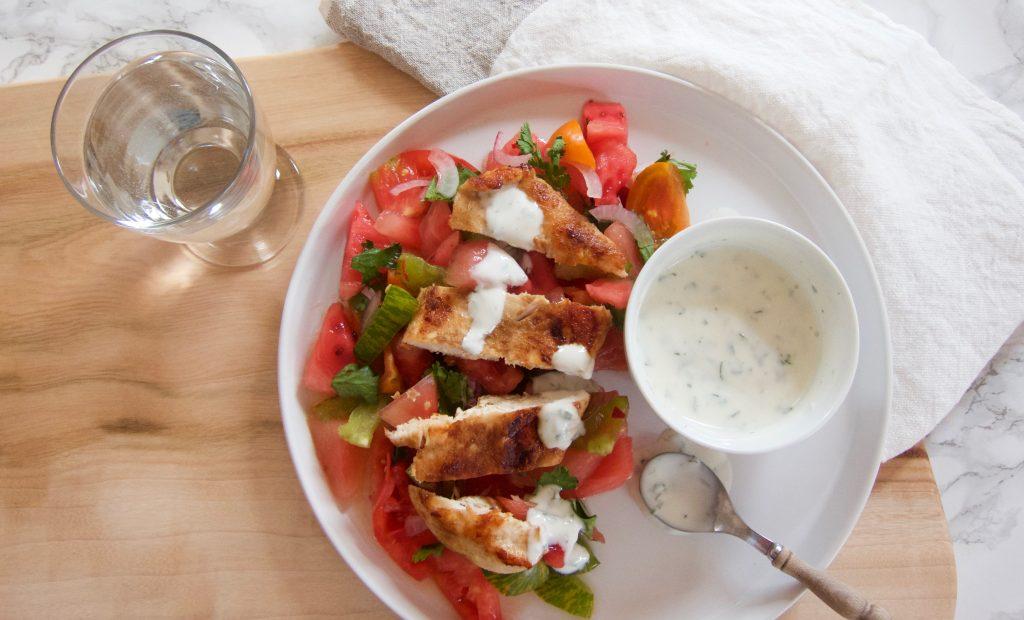 Bio-Mittagspause: Koriander-Hendl auf Melonen-Paradeiser-Salsa